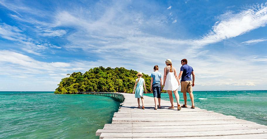 Malediven Ferien Familie Kinder Holzsteg