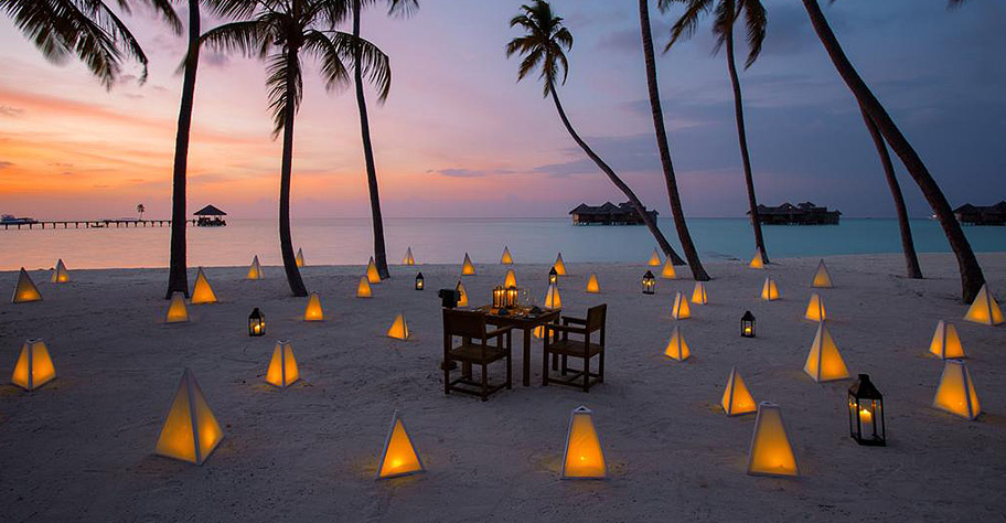 Sonnenuntergang Malediven Palmen, Candle Light Flitterwochen