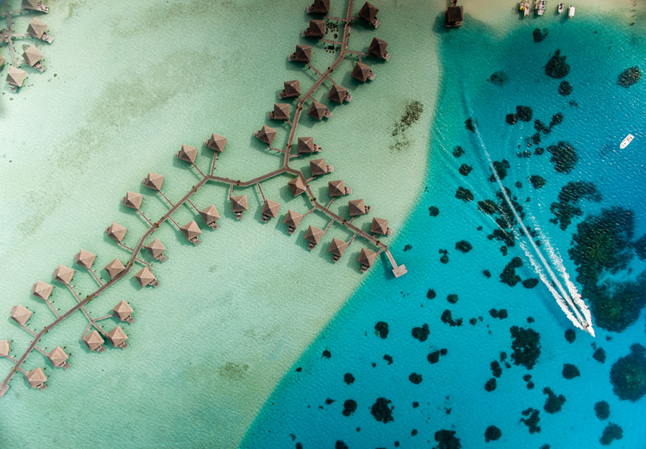 Malediven Badeferien Luftaufnahme Wasserbungalows